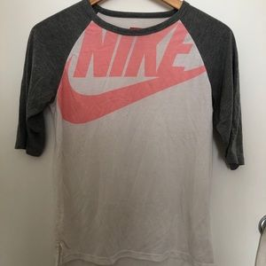 Nike graphic soft baseball tee